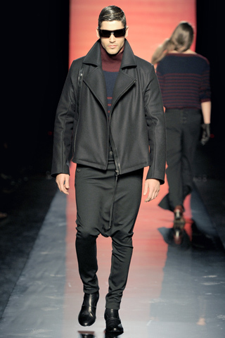 Foto de Jean Paul Gaultier Otoño-Invierno 2011/2012 en la Semana de la Moda de Paris (21/40)