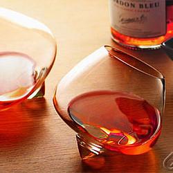 Copas de diseño para el licor