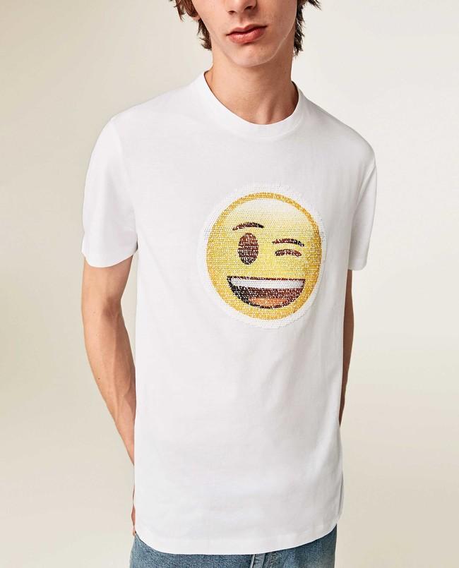 La Fiebre Emoji Llega A Todo Glam Con Camisetas De Lentejuelas A Zara 2