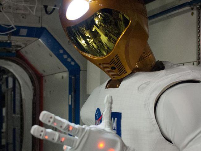 R2, robot humanoide de la ISS