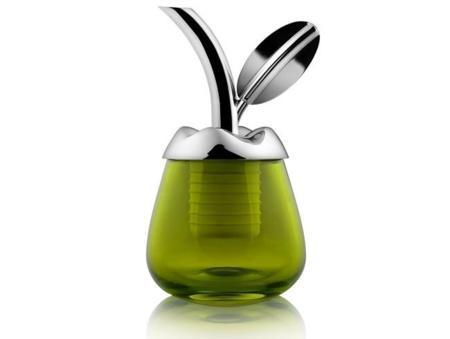 Fior d'olio de Marta Sansoni: tapón vertedor y vaso catador del oro verde