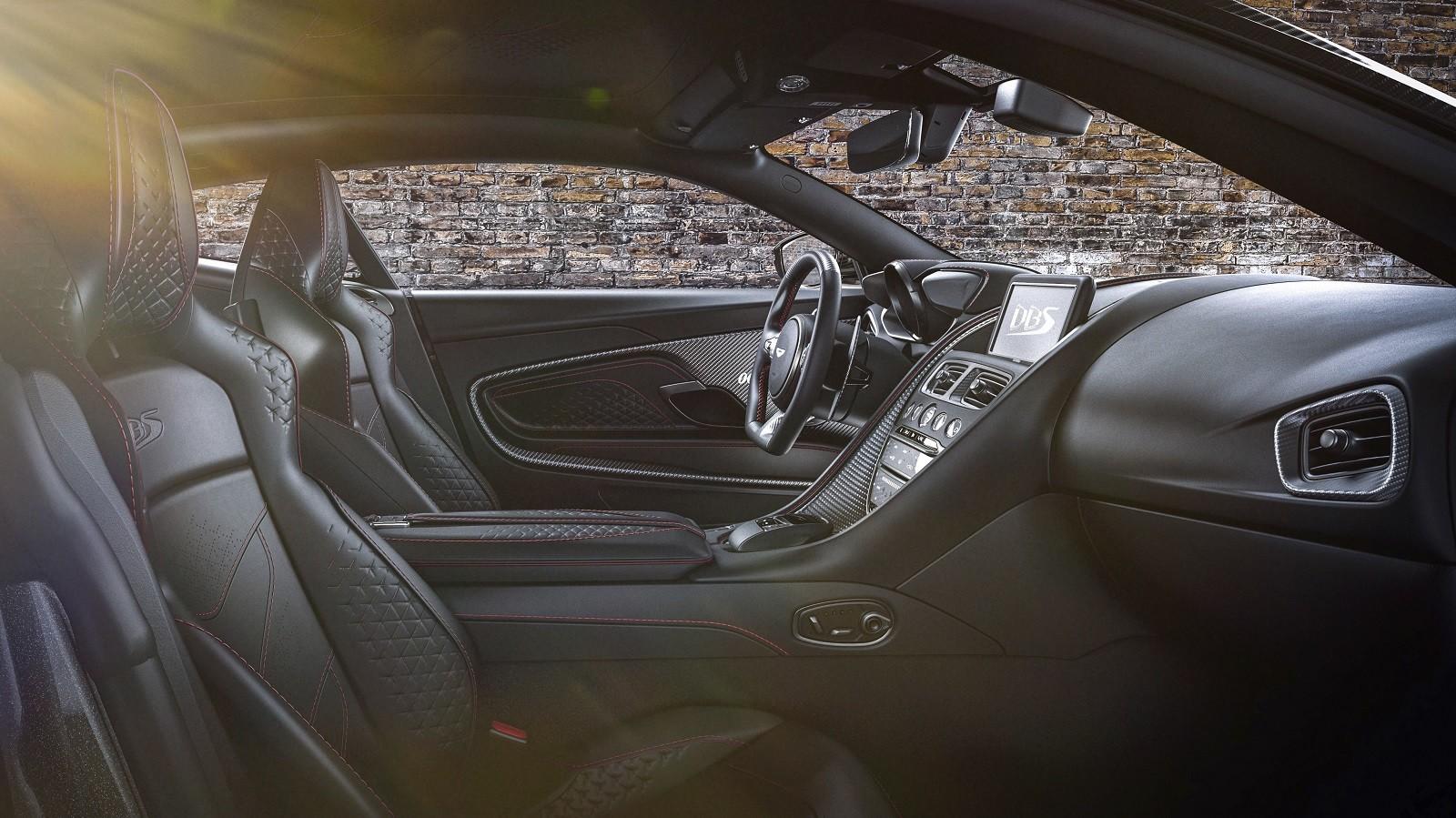Foto de Aston Martin Vantage y DBS Superleggera 007 Edition (38/39)
