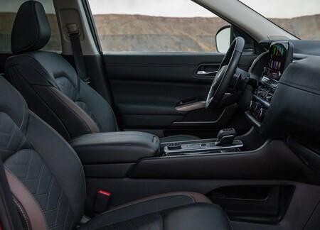 Nissan Pathfinder 2022 1600 11