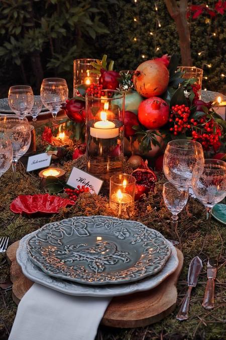 Mesa de Navidad con elementos naturales