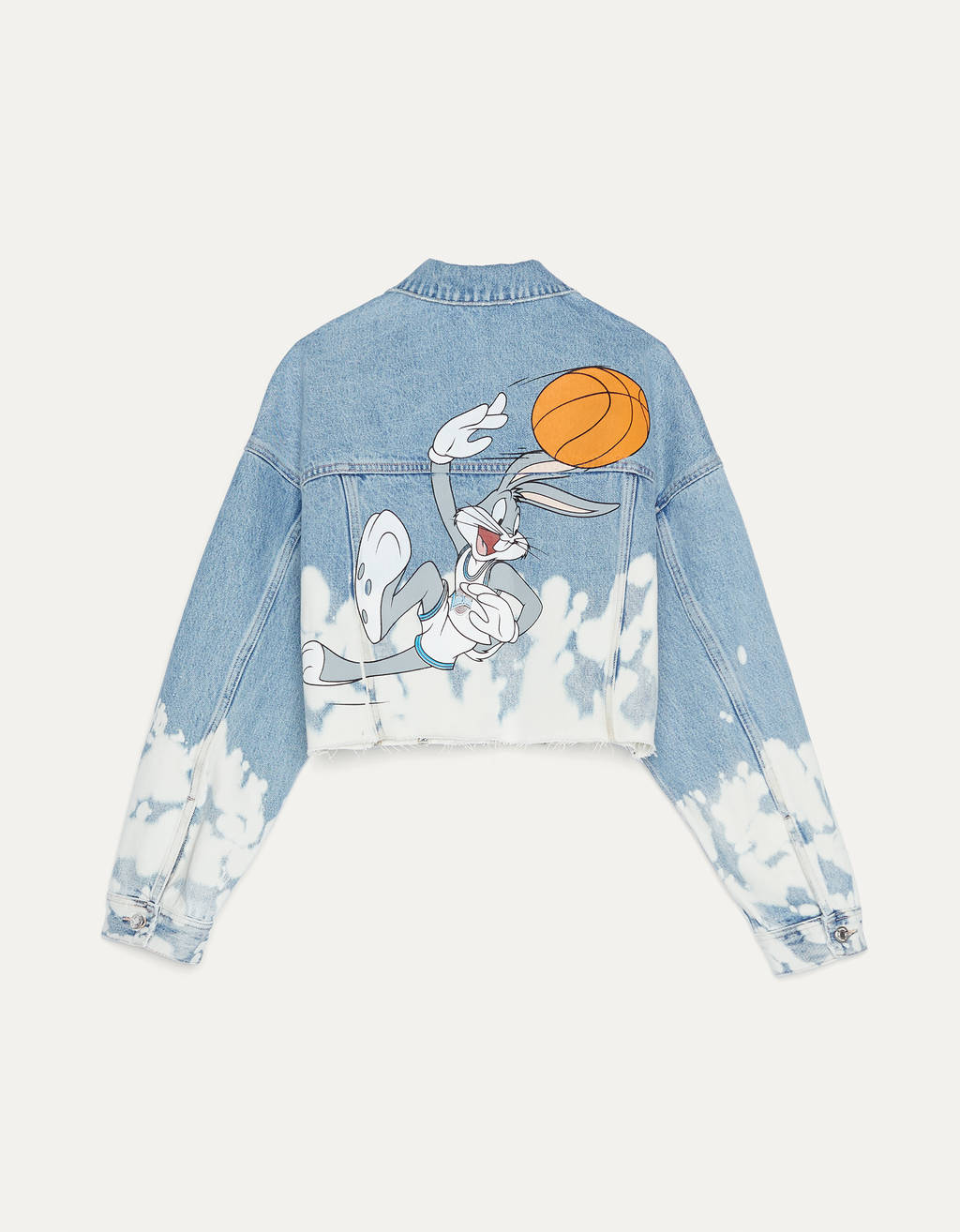 Cazadora denim Space Jam x Bershka.