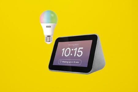 """55% de descuento en el despertador con Google Assistant Lenovo Smart Clock con bombilla """"inteligente"""": 44 euros en PcComponentes"""