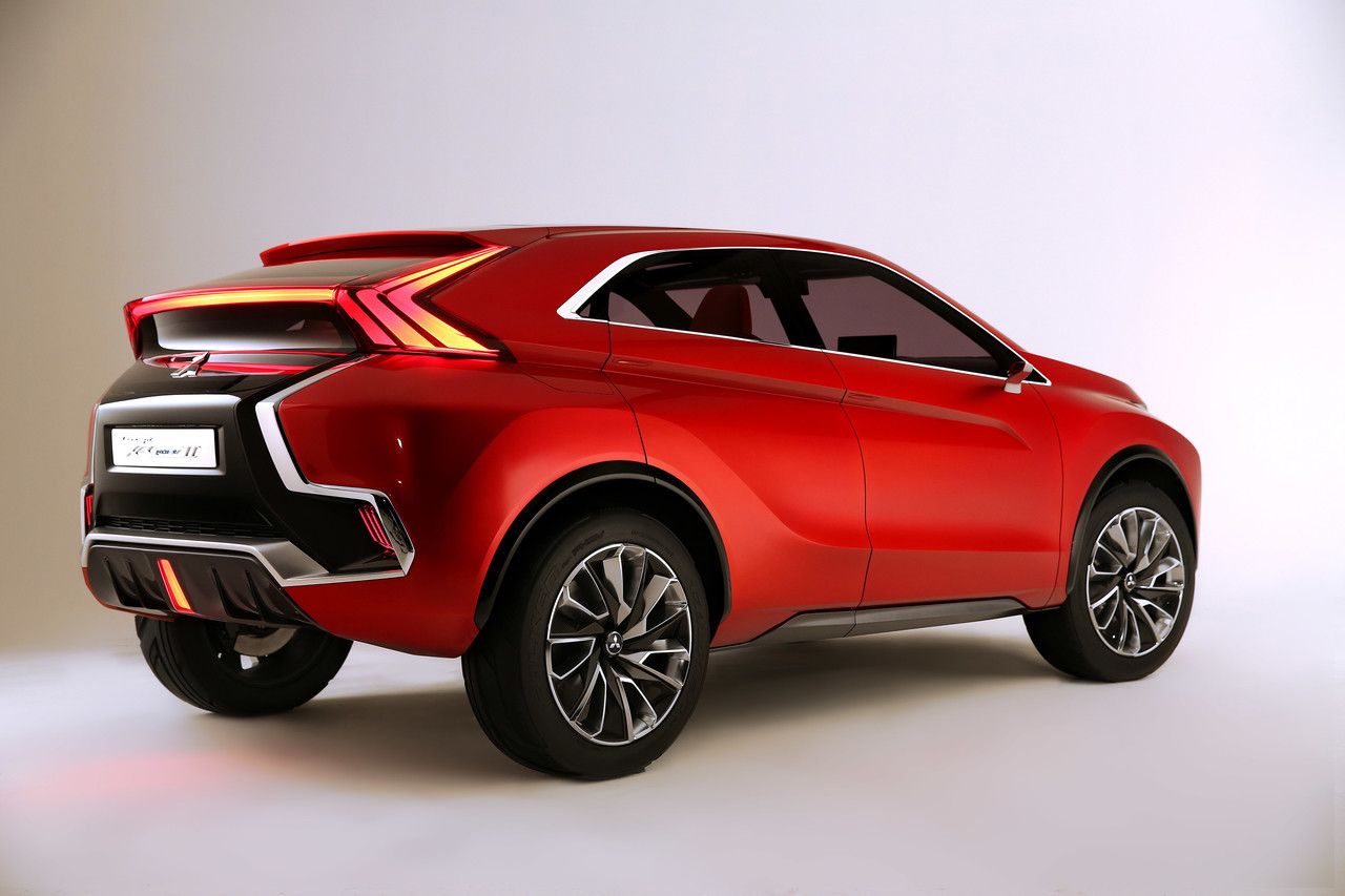 Foto de Mitsubishi XR-PHEV II Concept (12/27)