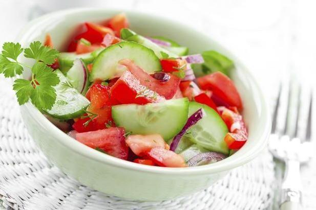Las verduras y frutas con más agua para comer ligero y sano esta temporada