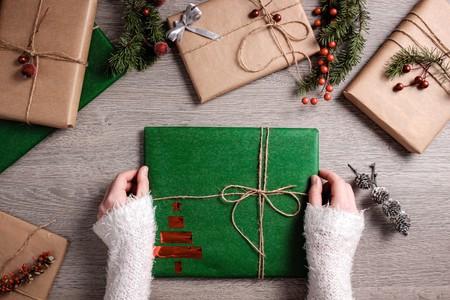¿Te has olvidado de enviar algún regalo de Navidad? Amazon te lo pone fácil con su E-Cheque regalo