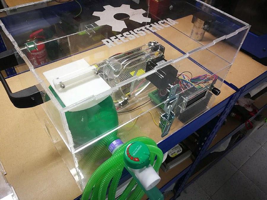 Arduino e impresoras 3D contra el coronavirus: así se han unido makers de toda España para evitar contagios y salvar vidas