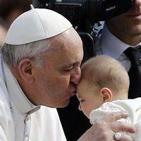 """El Papa autoriza a los sacerdotes a absolver el """"pecado del aborto"""""""