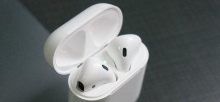 El problema de la batería de los AirPods se soluciona reiniciándolos, para algunos usuarios
