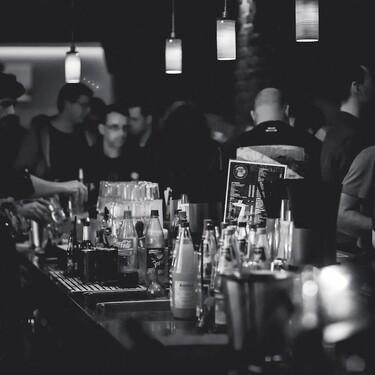 Regresamos a semáforo amarillo por COVID-19 en la CDMX; bares y discotecas podrán reabrir al 50%