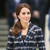 Kate Middleton se apunta a la tendencia it del invierno: los abrigos con estampado de cuadros