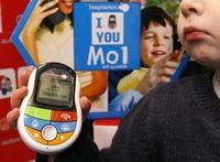 El Ministerio de Sanidad francés pide que se modere en los niños el uso de móviles