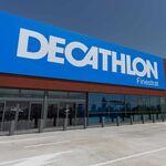 Oportunidades Decathlon en ropa deportiva: camisetas, pantalones o mochilas rebajadas hasta un 20% en algunas tallas sueltas