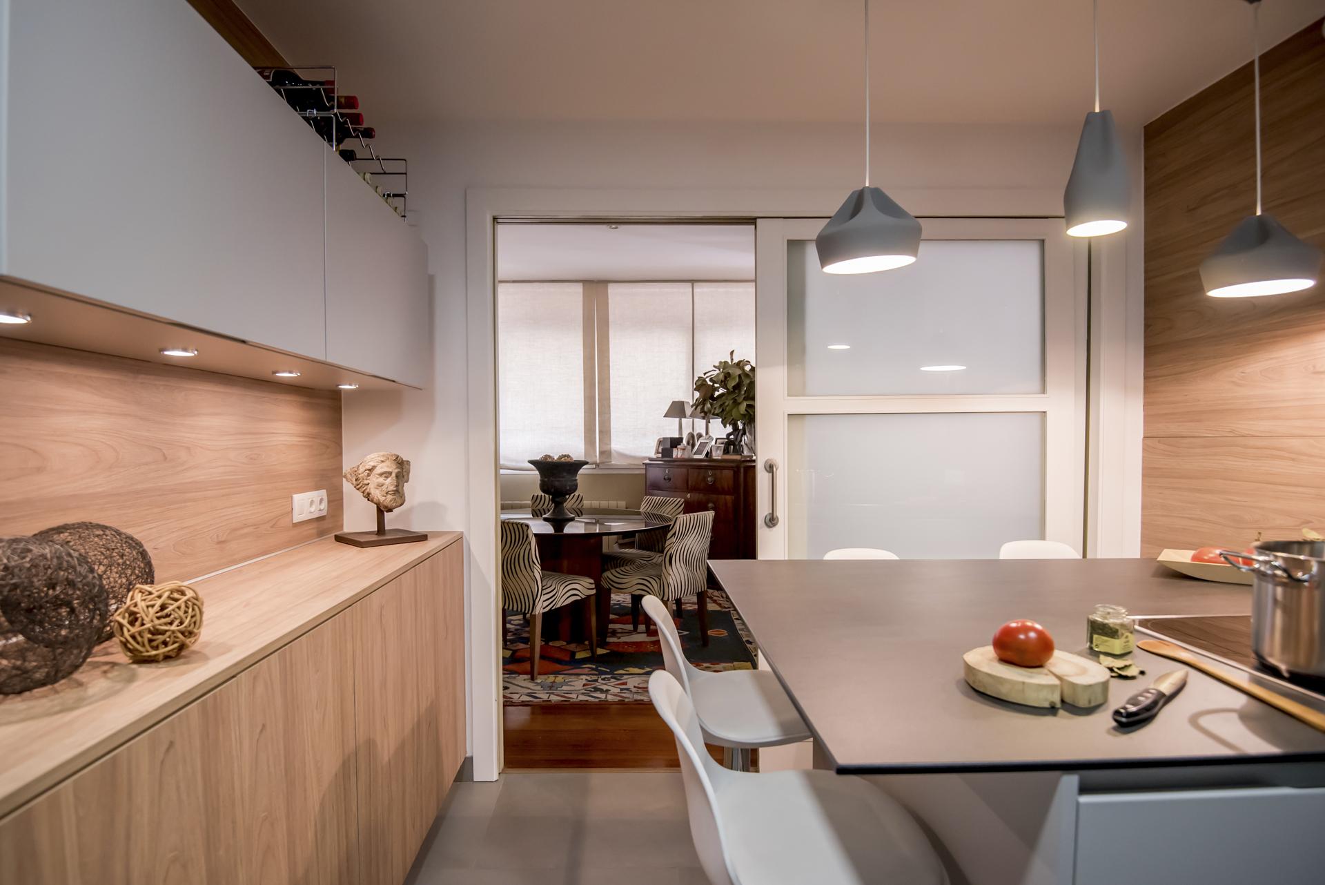 C mo optimizar el aprovechamiento del espacio en una for Disenos cocinas abiertas