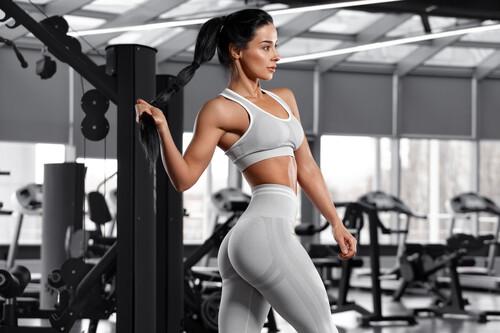 Cinco ejercicios que no te pueden faltar para conseguir unos glúteos fuertes