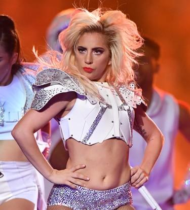 Ni Lady Gaga se libra del 'body shaming'. Así respondieron sus fans a quienes la llamaron gorda durante la Super Bowl.