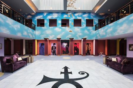 Paisley Park, la casa de Prince, se ha convertido en un museo que puedes visitar