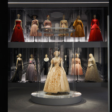 La exposición más espectacular sobre Christian Dior está en Londres