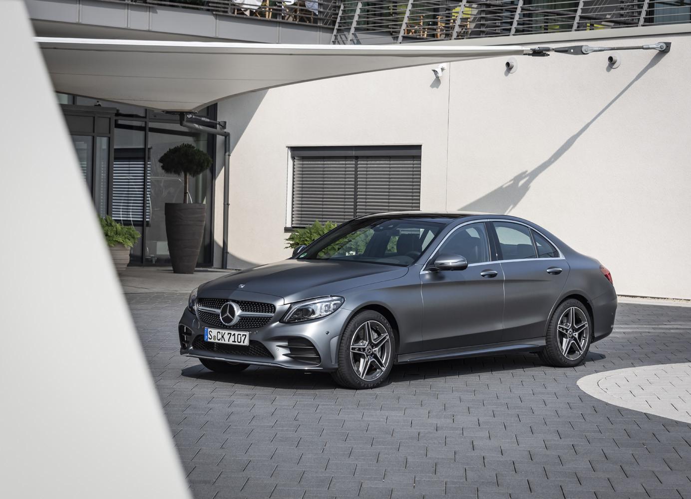 Foto de Mercedes-Benz Clase C 2018, toma de contacto (102/255)