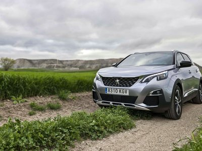 Probamos el Peugeot 5008, un SUV con hasta siete plazas, amable y que se supera a sí mismo