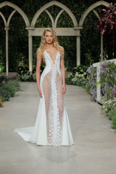 Pronovias Fashion Show Romee Strijd