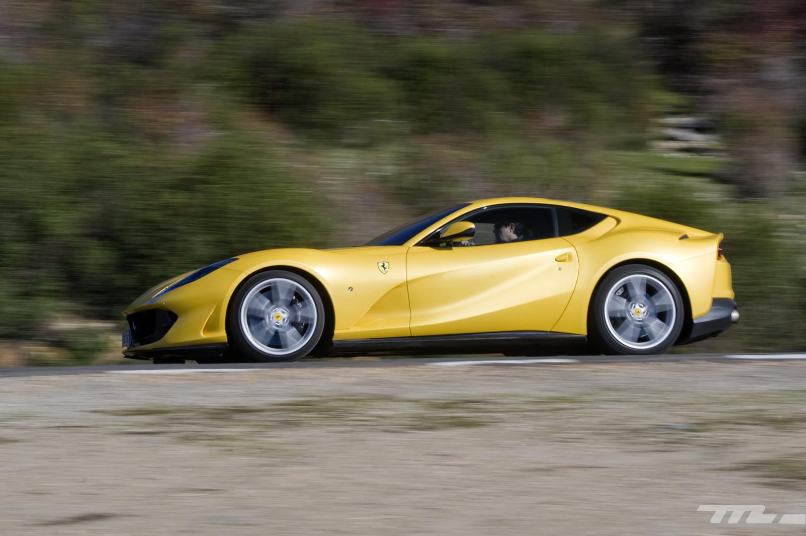 Foto de Ferrari 812 Superfast (prueba) (33/55)