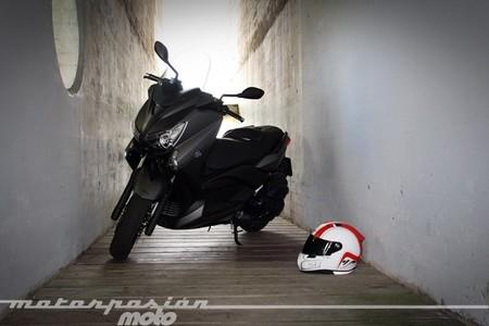 Yamaha X-MAX 400, prueba (conducción en ciudad y carretera)