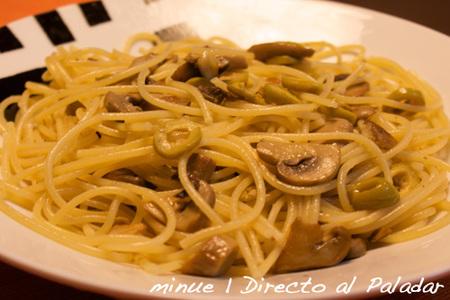 Receta de espaguetis picantes con champiñones
