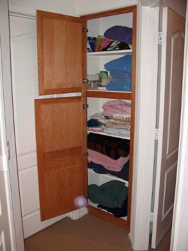 Trucos para mantener ordenado tu armario de las sábanas