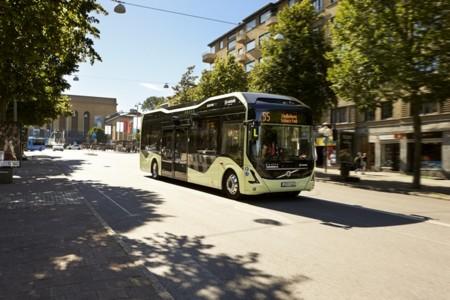 La familia de autobuses eléctricos Volvo 7900 crece con un nuevo modelo 100% eléctrico
