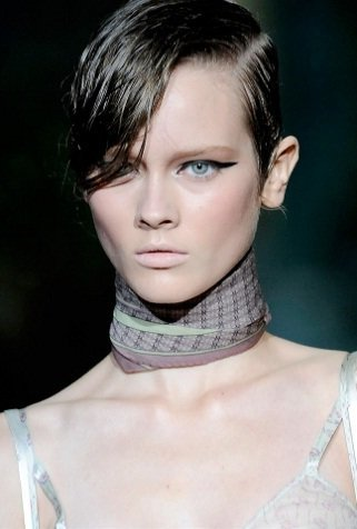 Un repaso a los peinados y cortes de pelo que más se llevan este 2010  (y II)