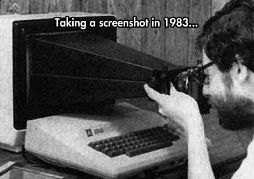 Así se hacían las capturas de pantalla de los computadores de <strong>Apple℗</strong> hace 35 años»>     </p> <p>Para nosotros, hoy en día, <strong>hacer una captura de pantalla</strong> en nuestros aparatos es cosa de un atajo de teclado o pulsar dos botones al mismo tiempo. La imagen que se genera se guarda e vuestro carrete o en el escritorio del Mac, no tiene más. Lo contamos en <a href=