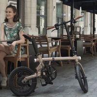"""Retro, plegables, """"híbridas"""" y con un sistema de carga por pedaleo: así son las nuevas bicicletas eléctricas Rayvolt Exxite"""