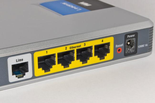 UGT propone un ADSL con teléfono fijo por 20 euros al mes para personas en riesgos de exclusión