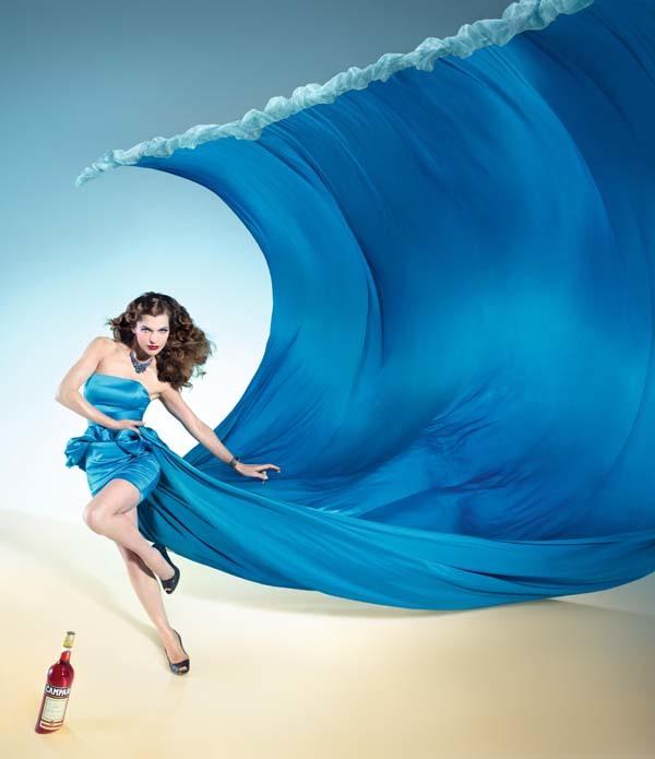 Foto de Milla Jovovich en el Calendario Campari (1/13)