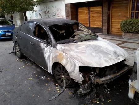 8 cosas que debes hacer si tu auto se incendia