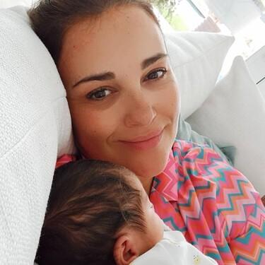 Paula Echevarría recibe como regalo del Día de la Madre una de las sudaderas más virales del momento
