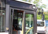 Estas etiquetas inteligentes ayudan a los discapacitados visuales a moverse en autobús