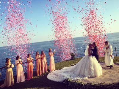 La estilista Giovanna Battaglia convierte su vestido de novia en inolvidable, el arte de lo ostentoso que enamora