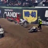 Guerra de testosterona en el UK ArenaCross, con karma fail final incluido
