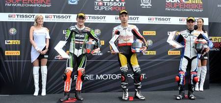 Superbikes Italia 2012: Sylvain Guintoli consigue su primera pole en un húmedo Monza. Sam Lowes pole en Supersport