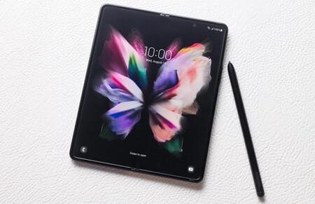 Samsung Galaxy Z Fold3, el móvil plegable por excelencia ahora es resistente al agua y soporta el S Pen