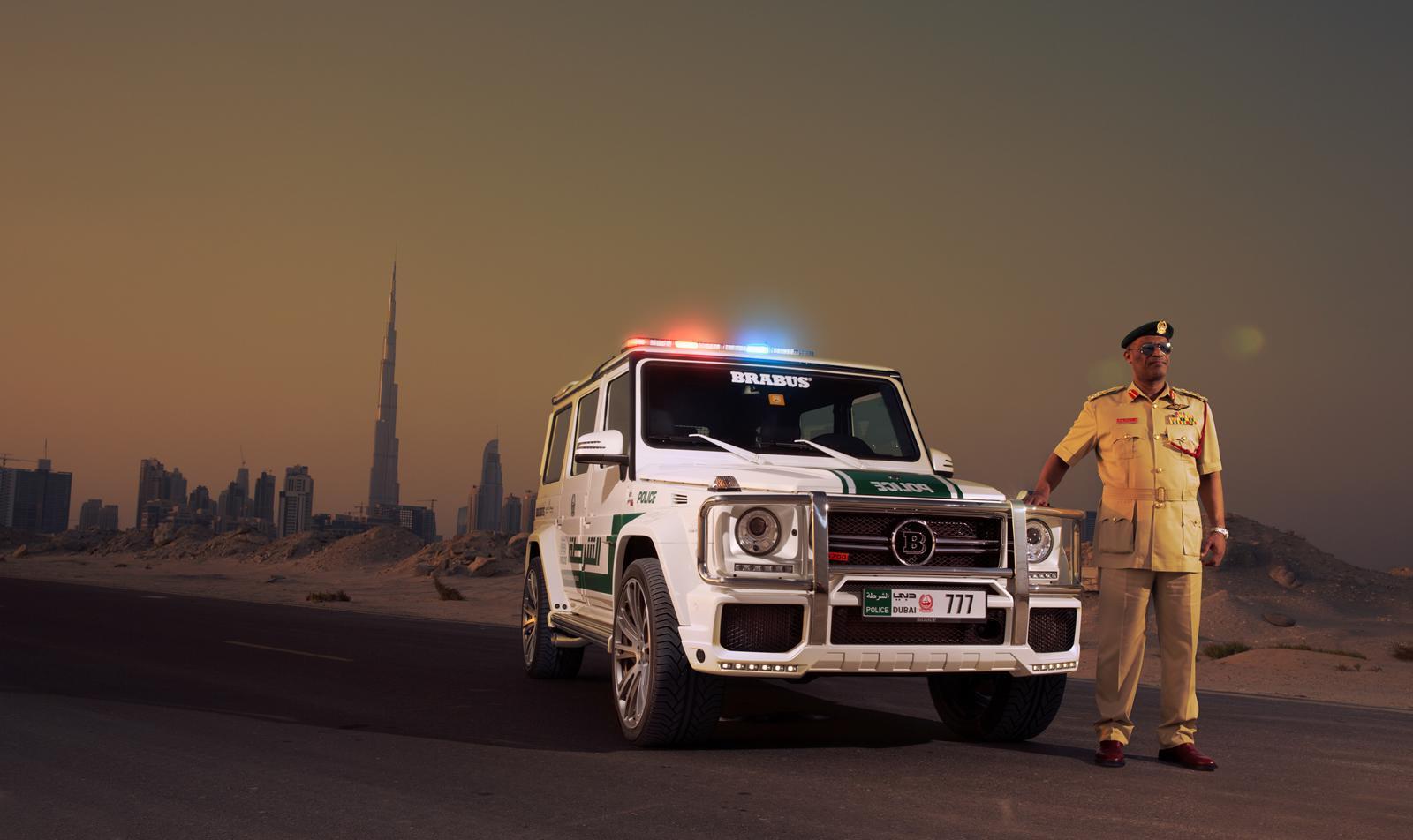Foto de Brabus B63S–700 Widestar Policía Dubái (29/30)