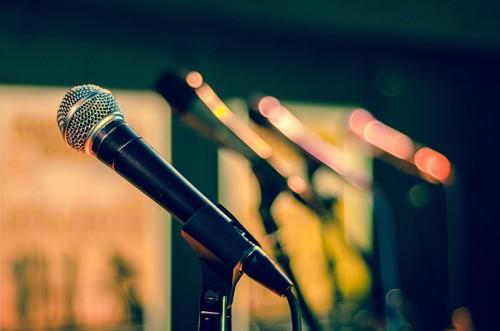 17 canales de YouTube y otras herramientas para aprender a hablar en público