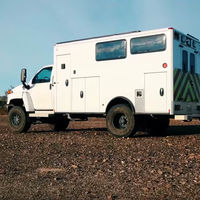 Esta antigua ambulancia 4x4 del del parque de Yellowstone es ahora una bestial y genial camper