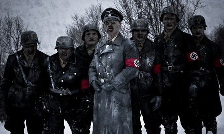 'Zombis nazis', sangre, nieve, terror, humor, poca cosa