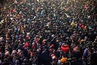 Apple suspende en China la venta del iPhone 4S por disturbios y falta de inventario